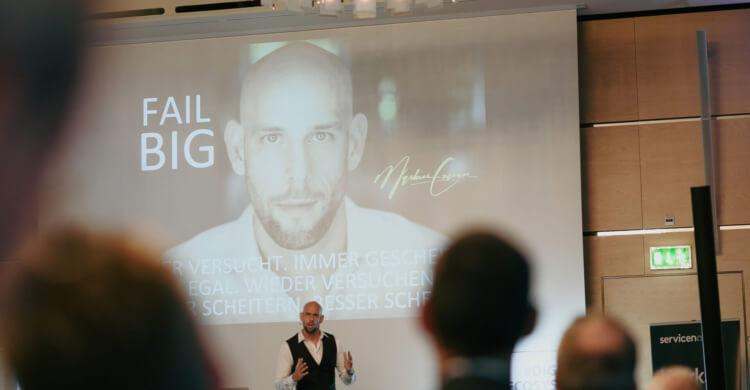 Keynote Speaker Markus Czerner mit seiner Keynote Fail Big!