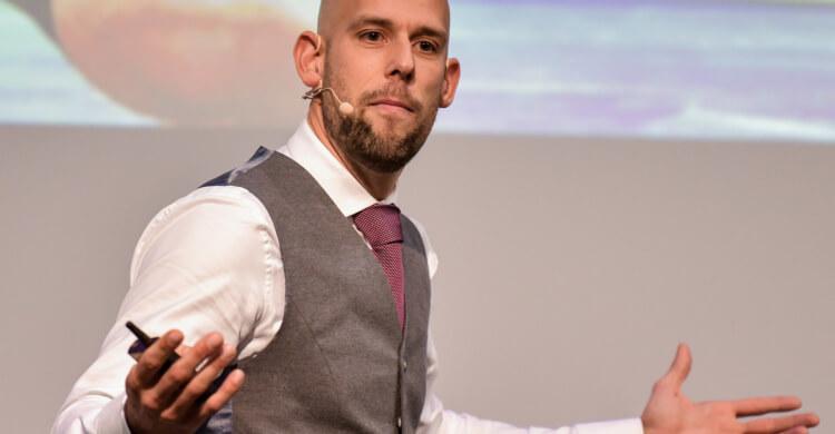Keynote Speaker Markus Czerner bietet seinen Kunden auch individuelle Keynotes an